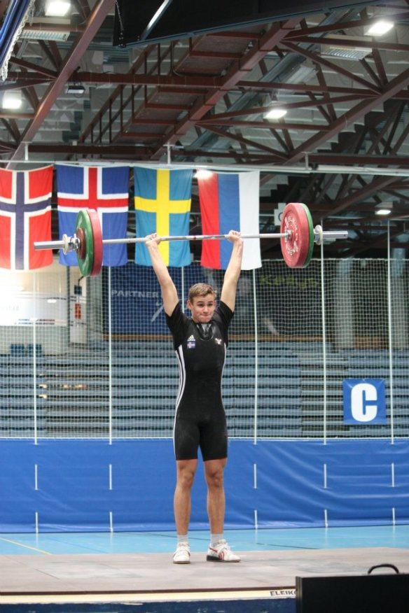 Mynd af Gudmundi med 101 kg á Norðurlandamóti 2011