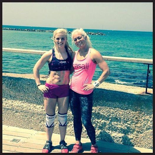 Anna og Sarah í Tel Aviv