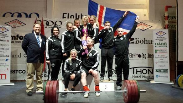 Hluti af keppendunum tók þátt á Norðurlandamótinu i ólympískum lyftingum 2014